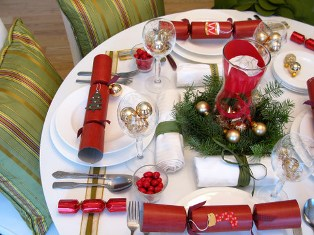 christmas-decorations-table-setting